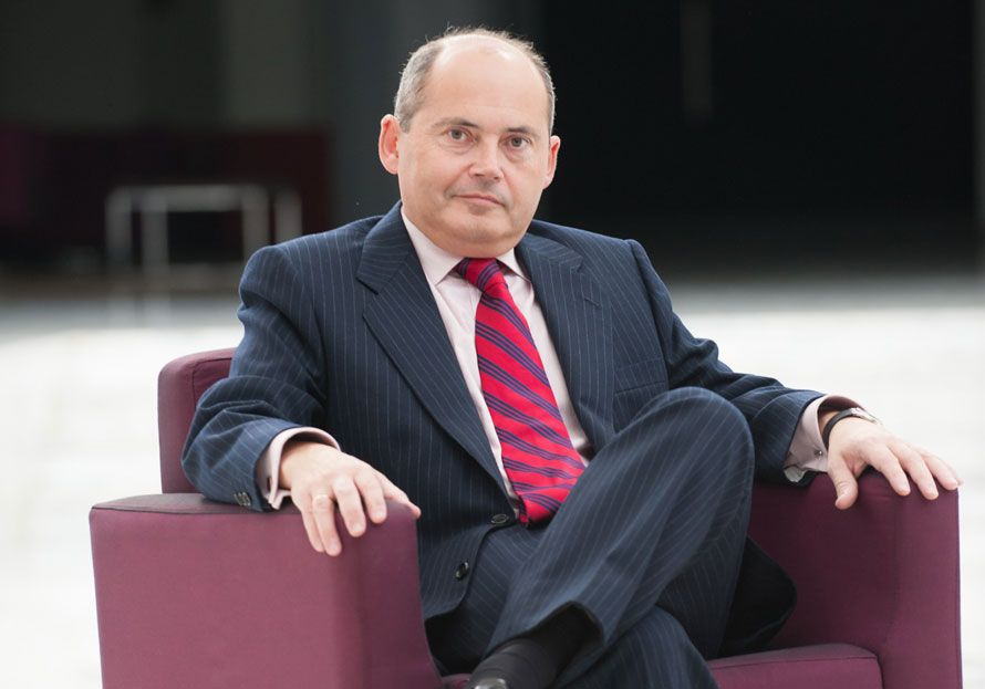 Interrogatorio: Errores por Luis Romero